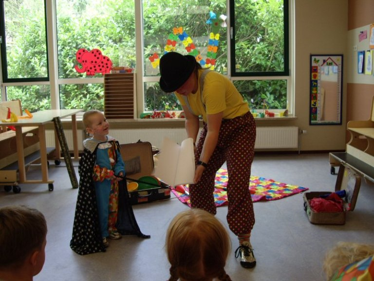 Kindertheater Kiko voorstelling door Clown kiko voor peuters op peuterspeelzaal