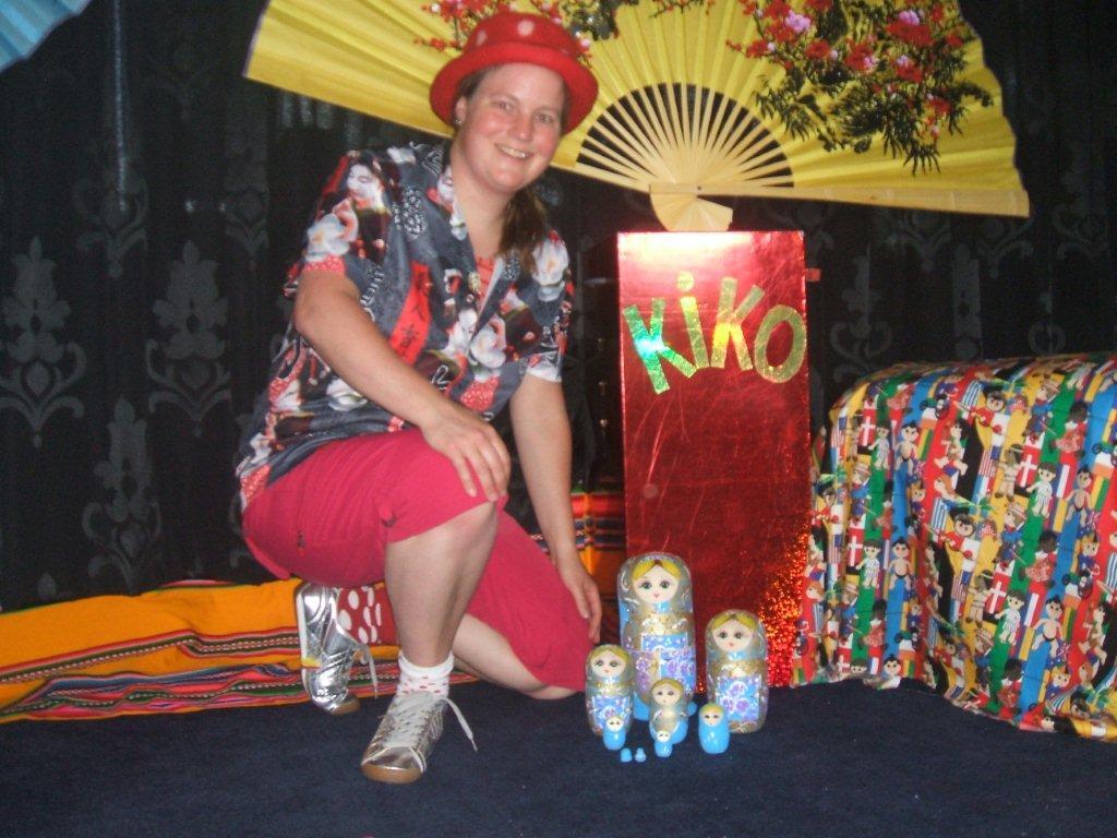 "kindertheater kiko -kindervoorstelling ""rare snuiters, vreemde vogels en een koffer vol ontmoetingen"" - poppen uit Rusland"