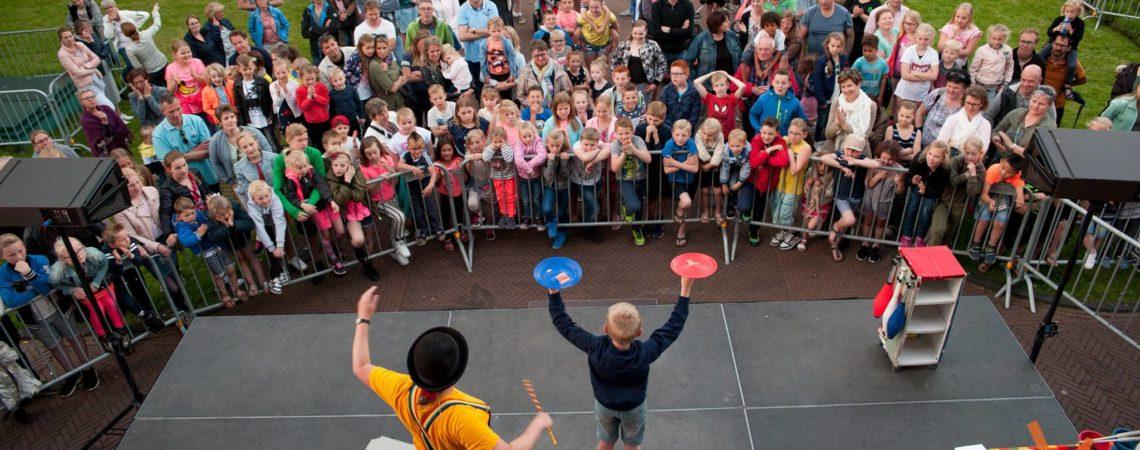 kindertheater kiko – Clown en jongleur Kiko optreden op bevrijdingsdag