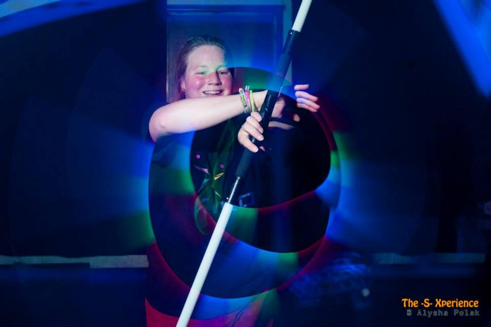 Kiko licht jongleer show - led licht jongleren - staff spinning @ -S- Xperience in de Vasim in Nijmegen