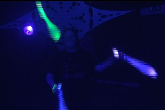 Kiko licht jongleer show - led licht jongleren @ -S- Xperience in de Vasim in Nijmegen