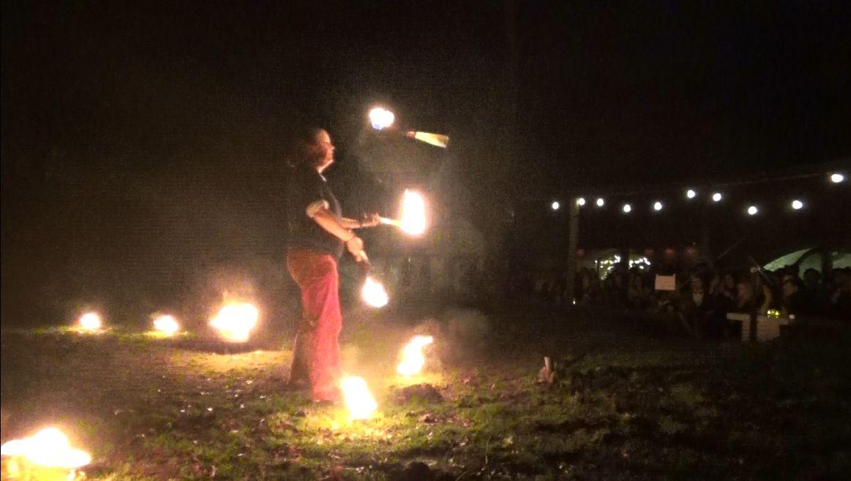 Vuurshow Kiko - Bij Fort Vechten - jongleren met fakkels