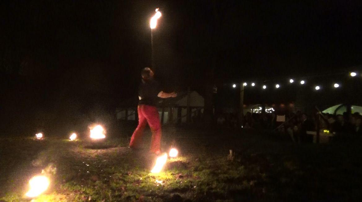 Vuurshow Kiko - Bij Fort Vechten - vuur stok balanceren