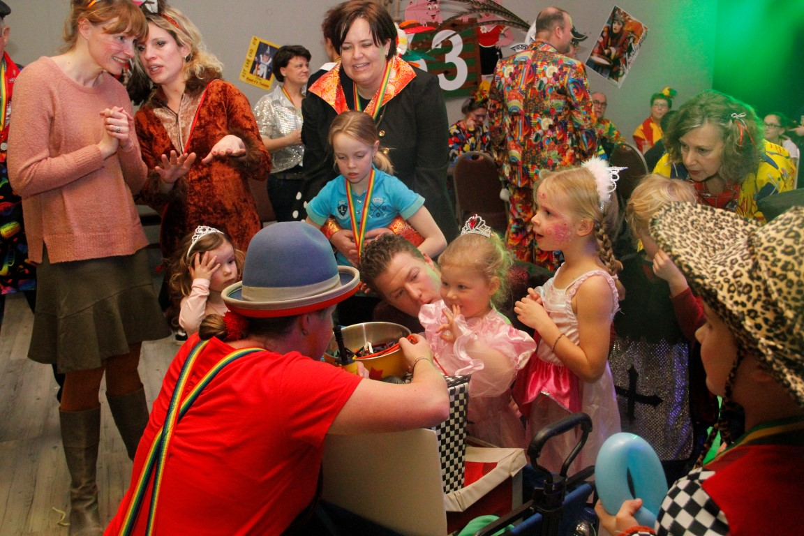 Clown Kiko ballonnenclown met carnaval